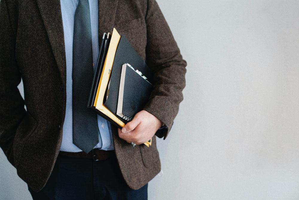 cómo trabaja un experto o consultor independiente